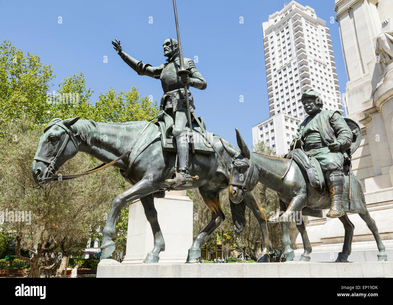 Sculpture of Don Quixote and Sancho Panza in Plaza de Espana – Stock ...