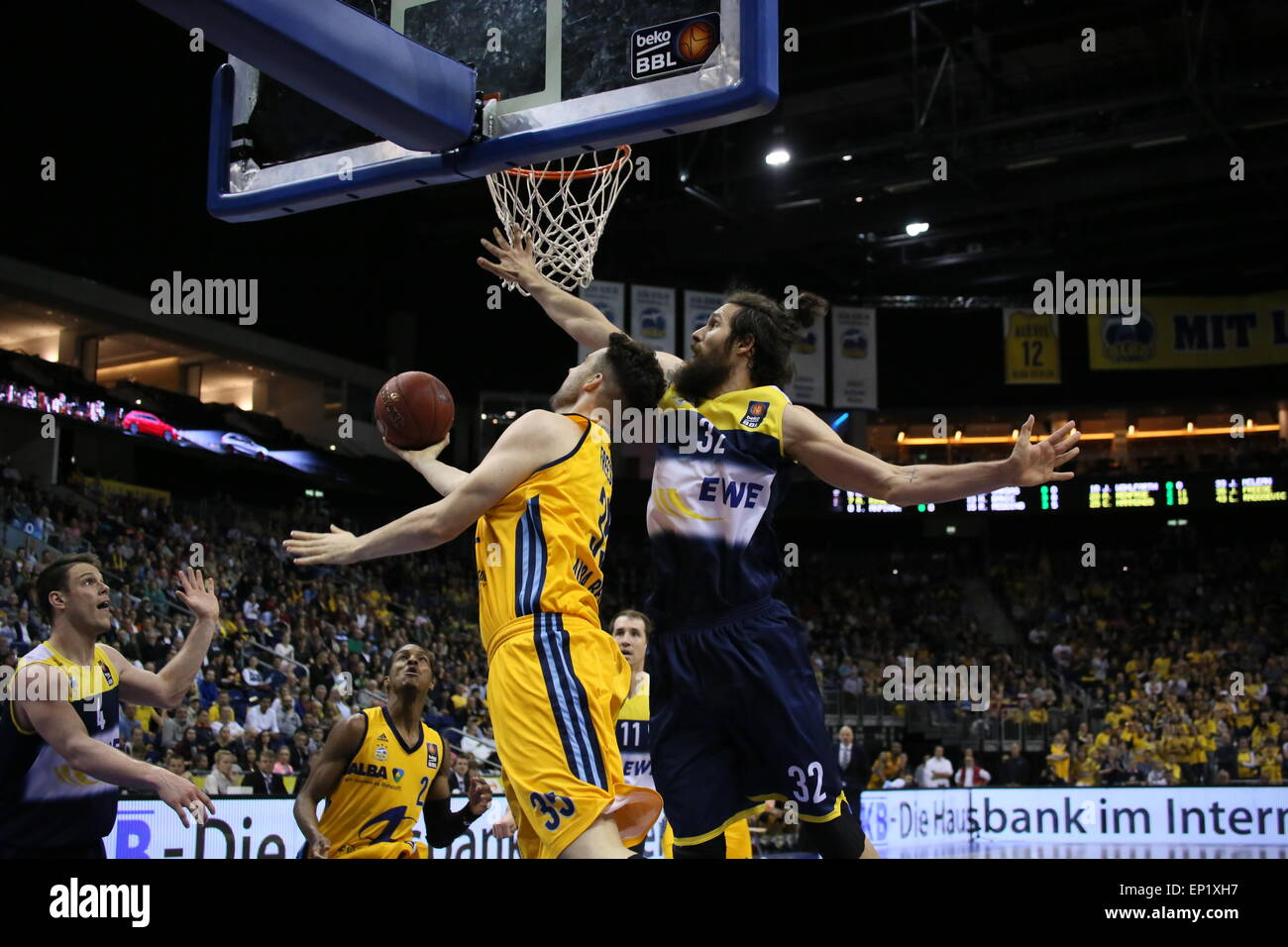Berlin, Germany. 10th May, 2015. Alba Berlin defeated EWE Oldenburg in BBL playoff game with 95 to 90 in O2 World. - Stock Image