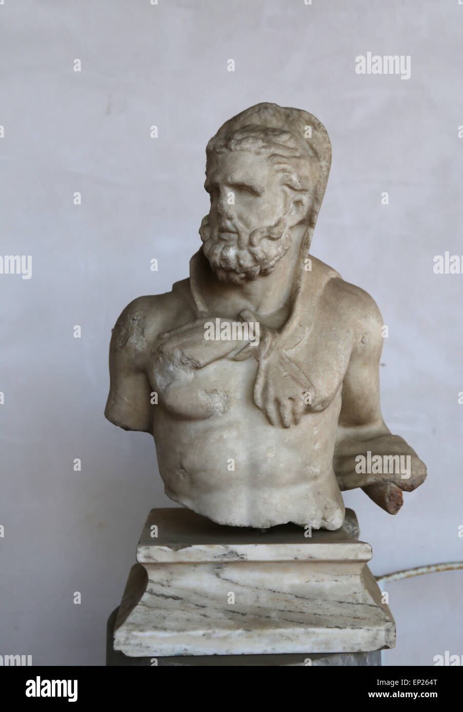 Statue of Heracles with the head covered by leonte. Greek, marble. During the rule of Hadrian, 117-138 AD. Unknown - Stock Image