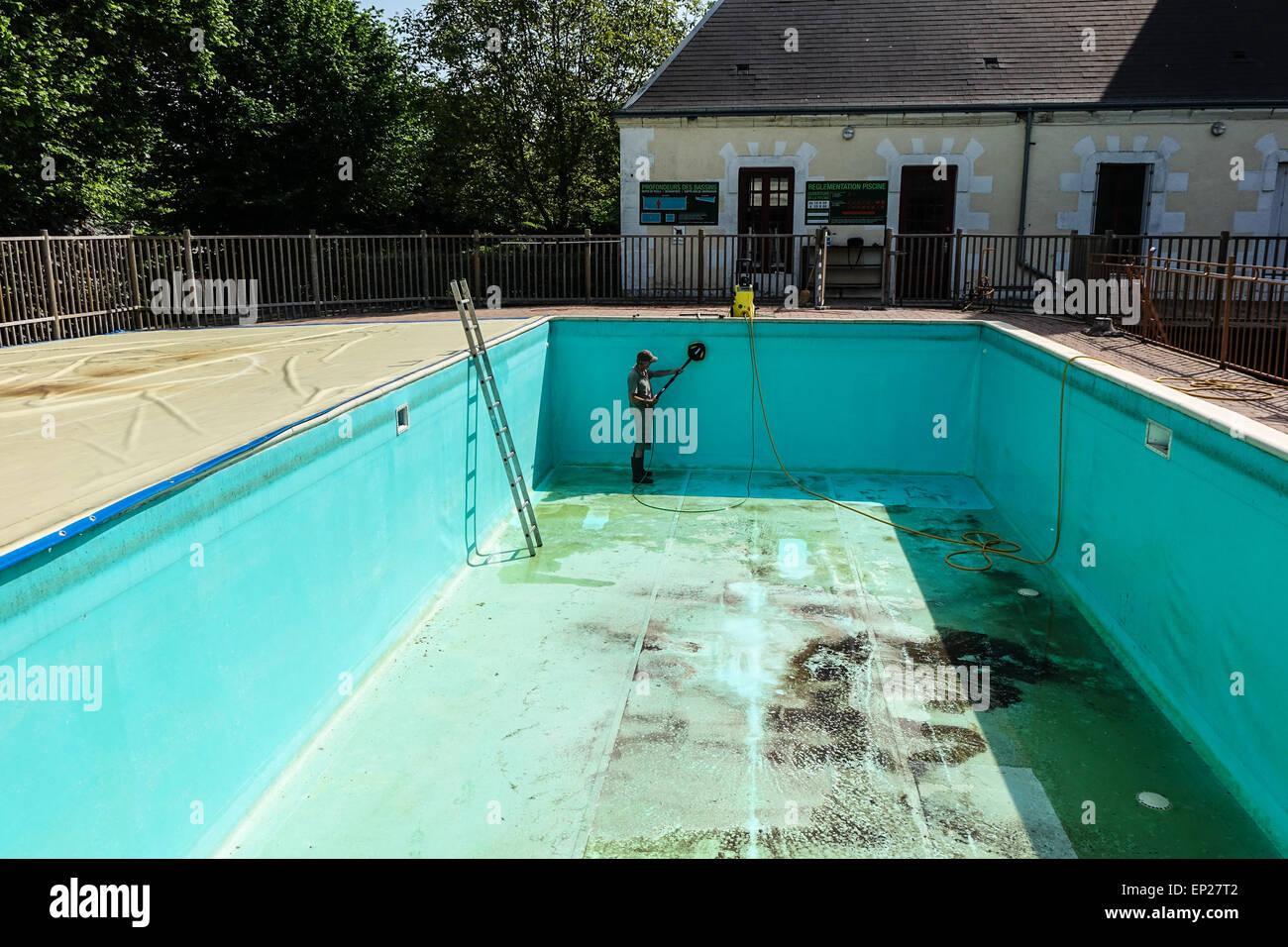 Swimming Pool Pressure Washing : Empty swimming pool cleaning stock photos