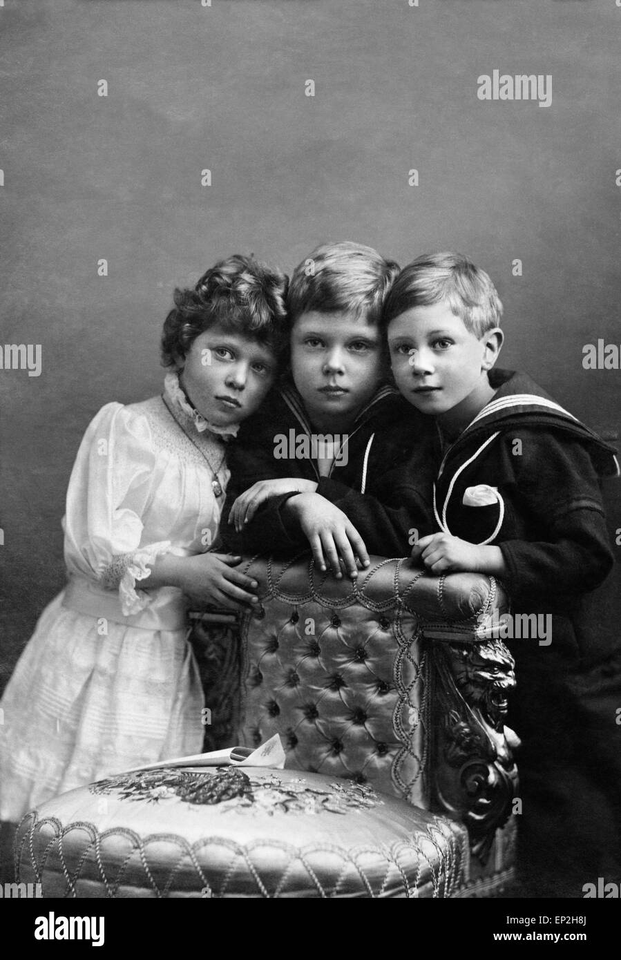 Prince of Wales with Prince Albert and Princess Mary pose for a portrait. - Stock Image