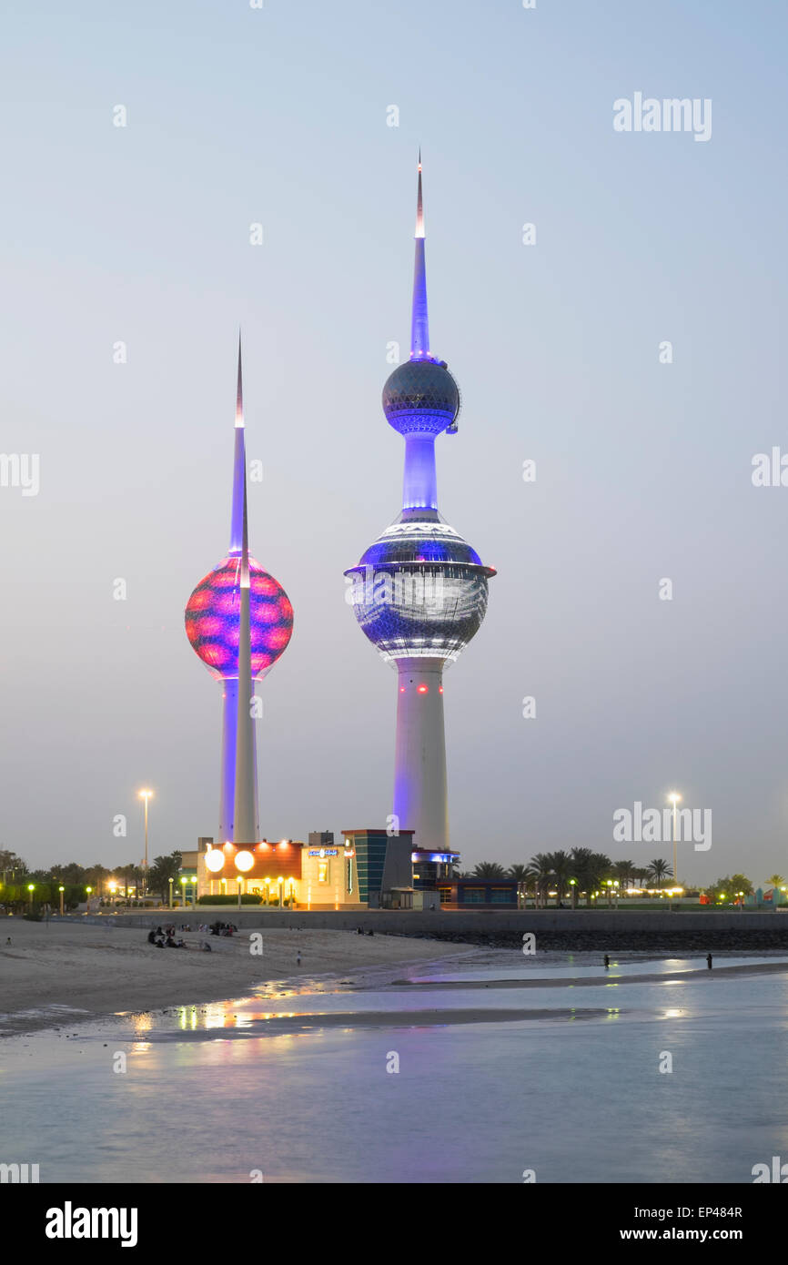 Kuwait Towers at night in Kuwait City, Kuwait. - Stock Image