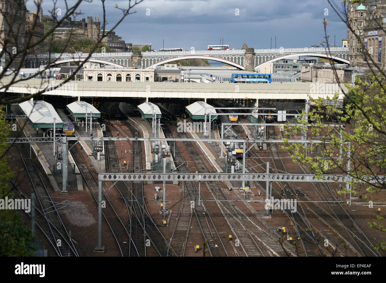 EDINGBURGH WAVERLEY STATION SCOTLAND SCOTRAIL - Stock Image
