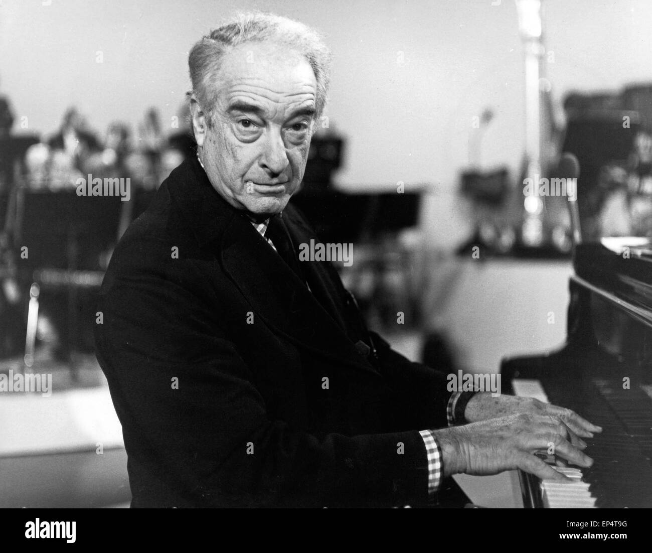 Victor Borge Stock Photos & Victor Borge Stock Images - Alamy