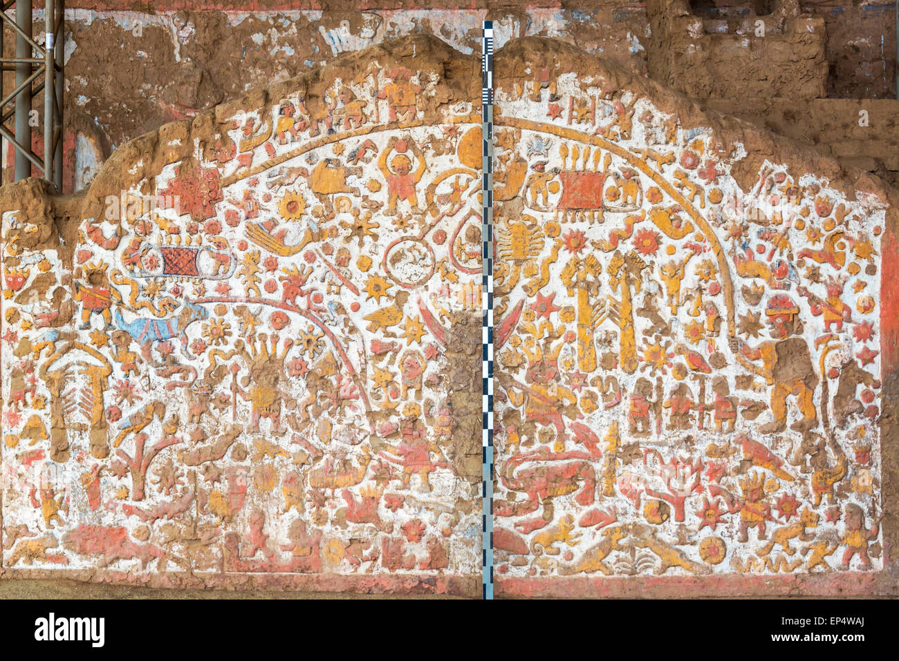 Ancient mural on the Huaca de la Luna in Trujillo, Peru - Stock Image