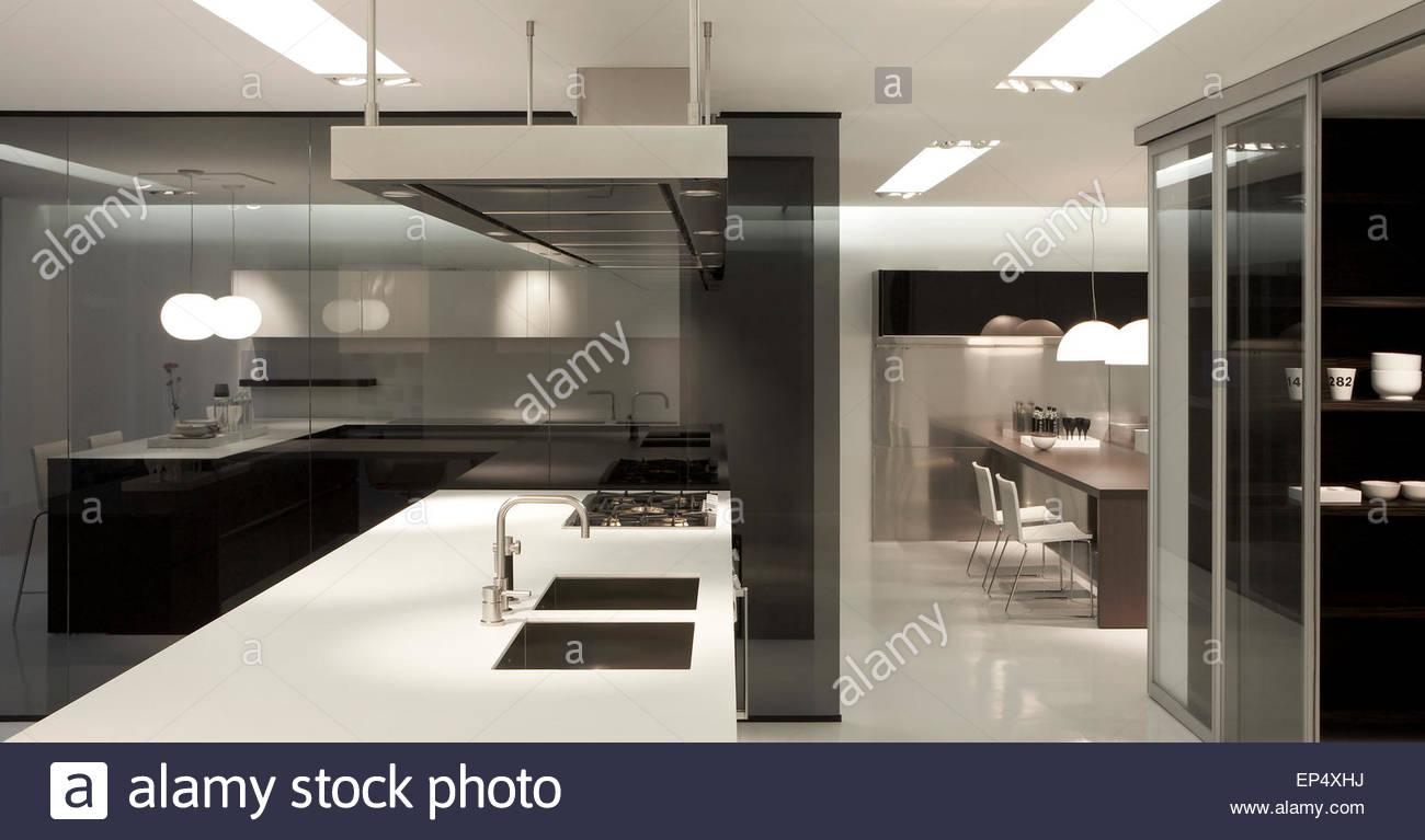 Kitchen detail poliform showroom london london united - Poliform showroom ...