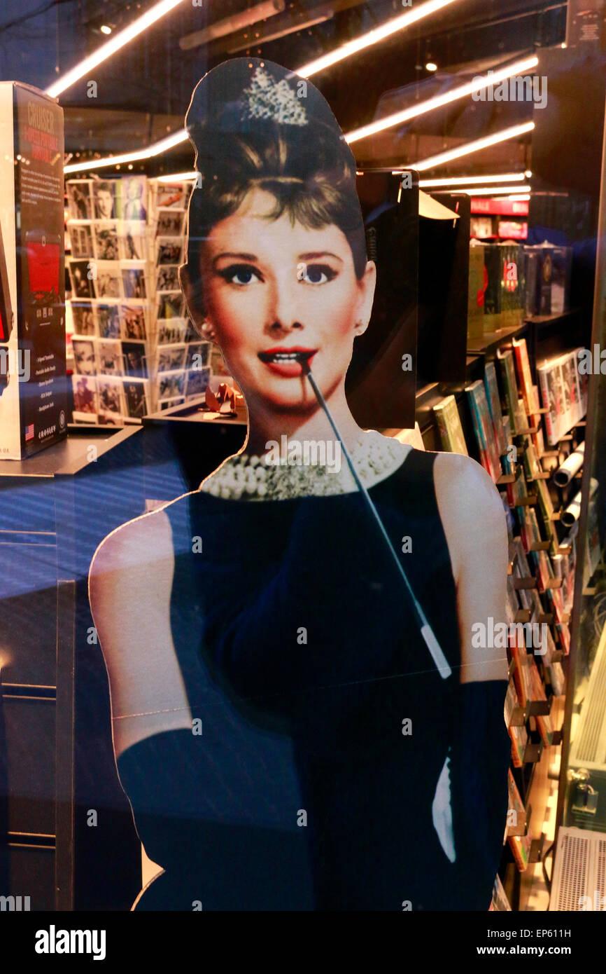 Audrey Hepburn-Aufsteller, Berlin. - Stock Image
