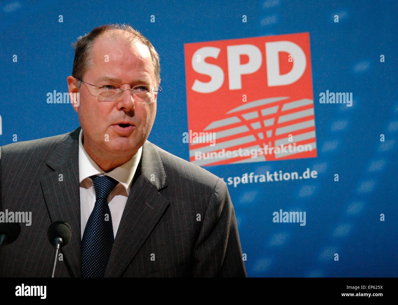 Peer Steinbrueck - Veranstaltung zum Thema 'Internationale Finanzmaerkte - Transparenz und Stabilitaet im 21. - Stock Image