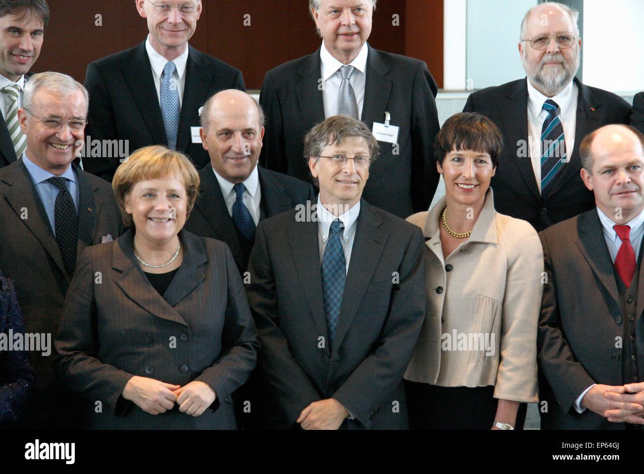 Bill Gates, BKin Angela Merkel u.a. - Gespraech des Microsoft-Gruenders mit der Bundeskanzlerin und Vertretern grosser - Stock Image