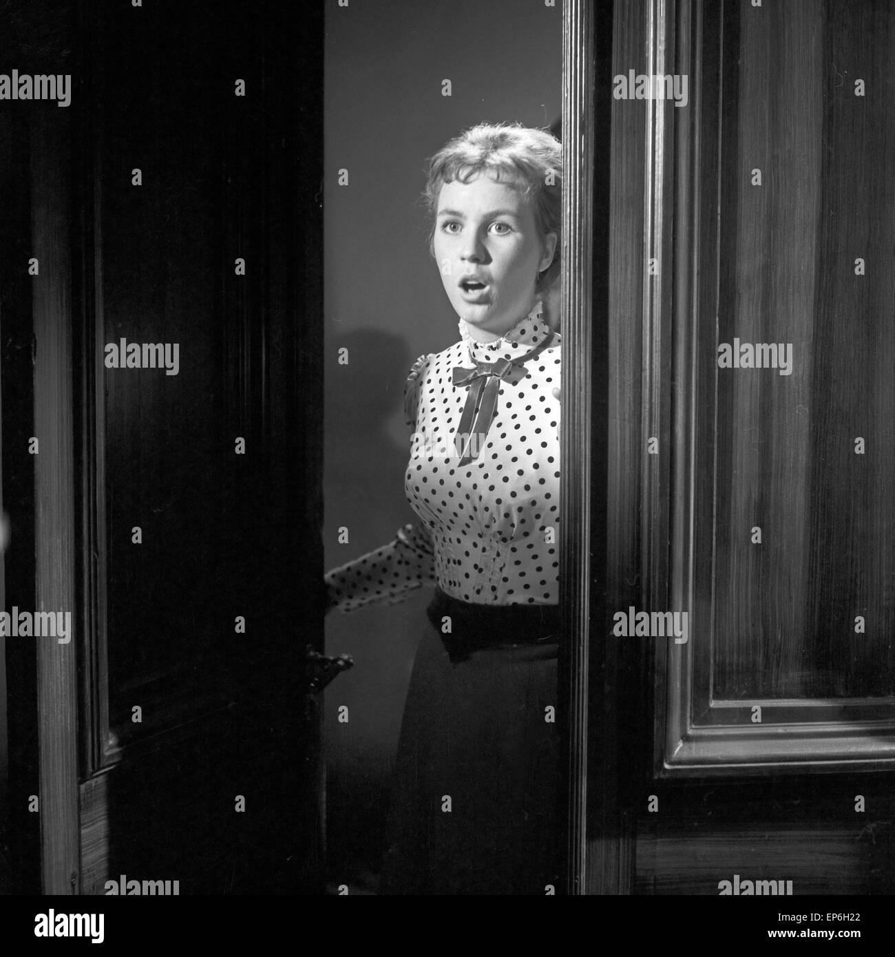 Ein Volksfeind, Fernsehfilm, Deutschland 1965, Regie: Oswald Döpke, Darsteller: Isabelle Carlson Stumpf Stock Photo