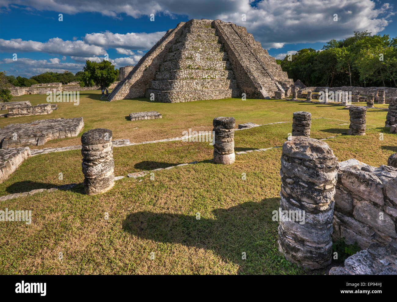 El Castillo de Kukulcan (Temple of Kukulcan), pyramid, Maya ruins at Mayapan archaelogical site, Yucatan state, - Stock Image