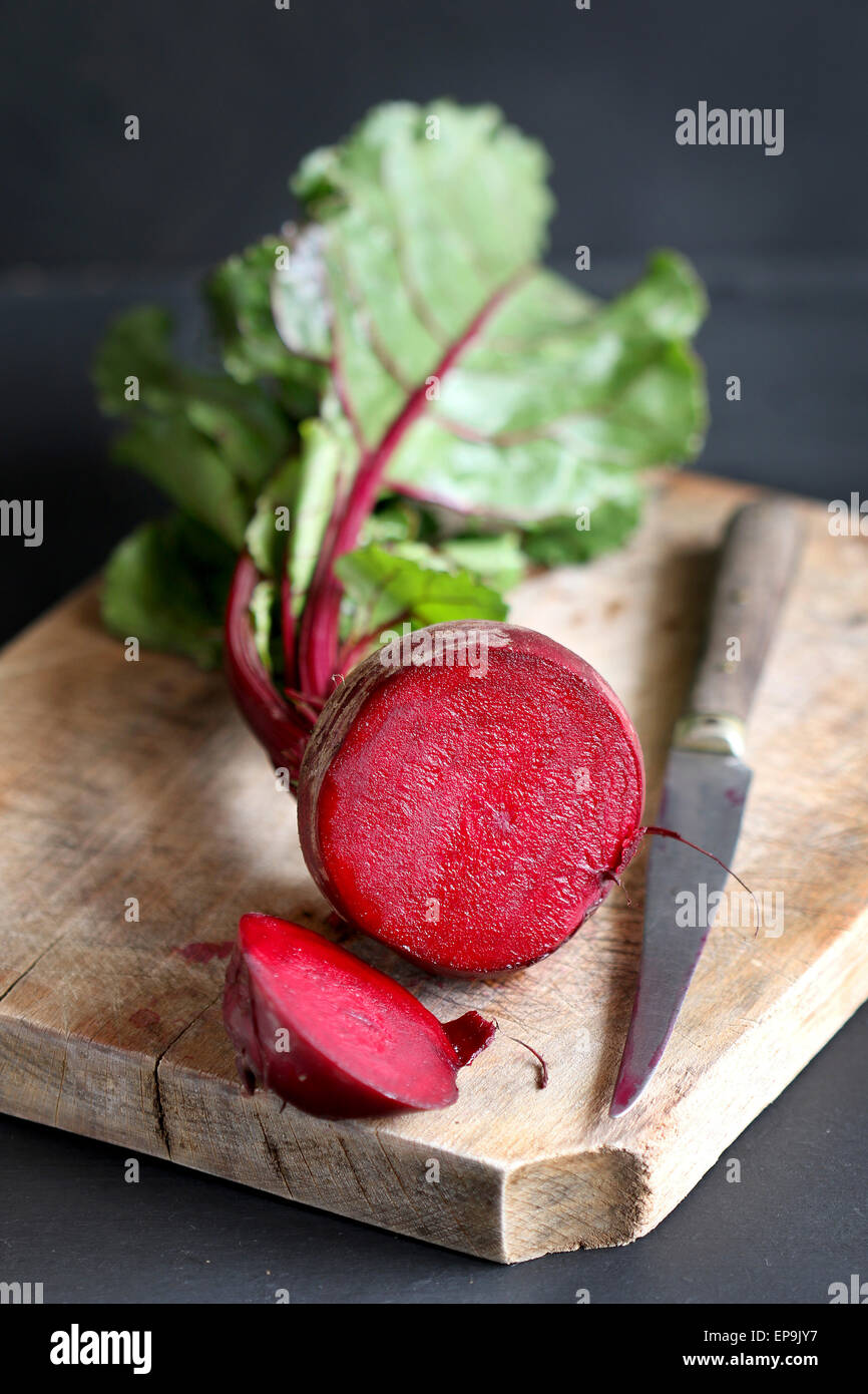 Fresh beets on wooden background - Stock Image