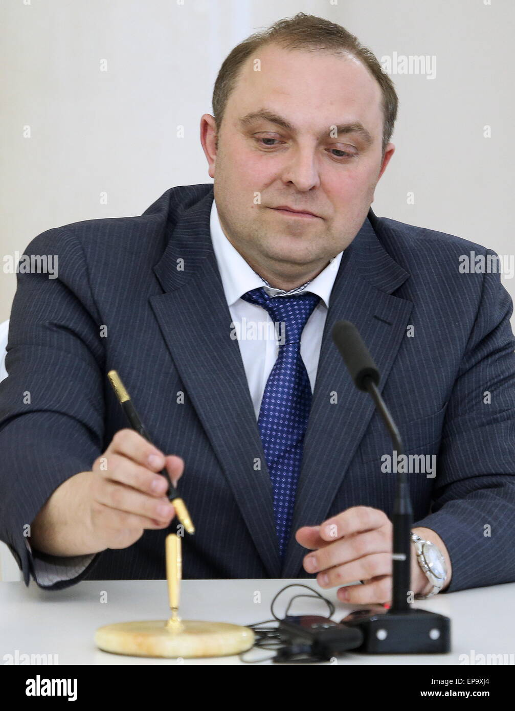 Moscow, Russia. 14th May, 2015. Moscow Metro head Dmitry Pegov looks on during the signing of a cooperation agreement Stock Photo