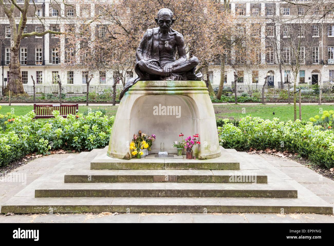 Mahatma Gandhi statue, Tavistock Gardens, Tavistock Square, London, England, UK - Stock Image