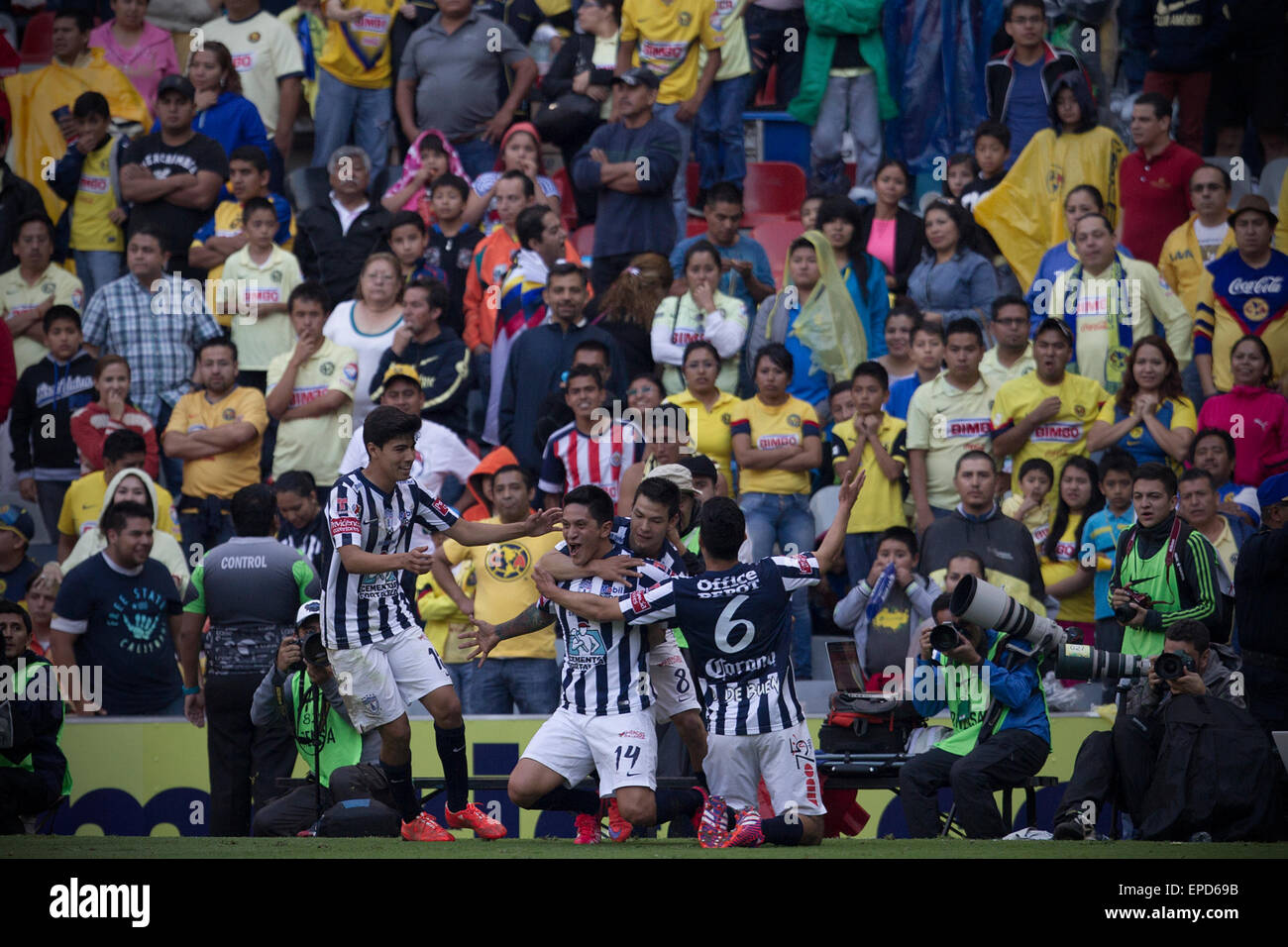 Mexico City, Mexico. 16th May, 2015. Pachuca's German Cano (C) celebrates his scoring with his teammates during - Stock Image
