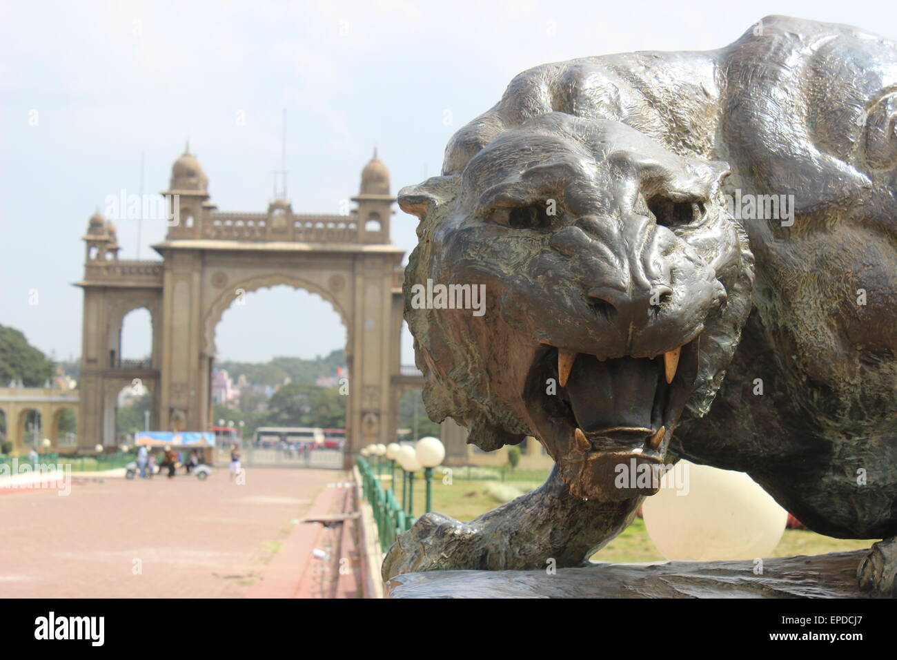 Inside the Maharaja's Palace compound: a scary tiger sculpture - Stock Image