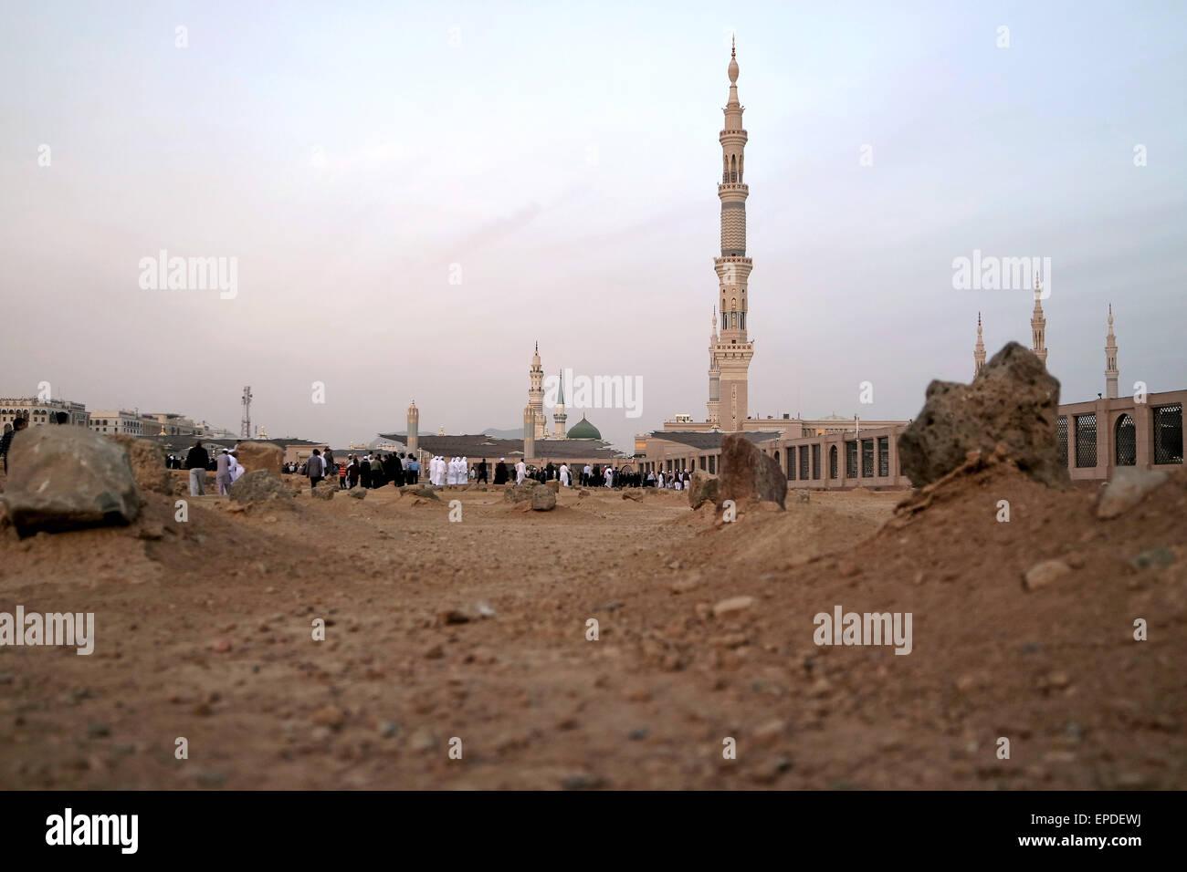 View of Baqee' Muslim cemetary at Masjid (mosque) Nabawi in Al Madinah, Kingdom of Saudi Arabia. - Stock Image