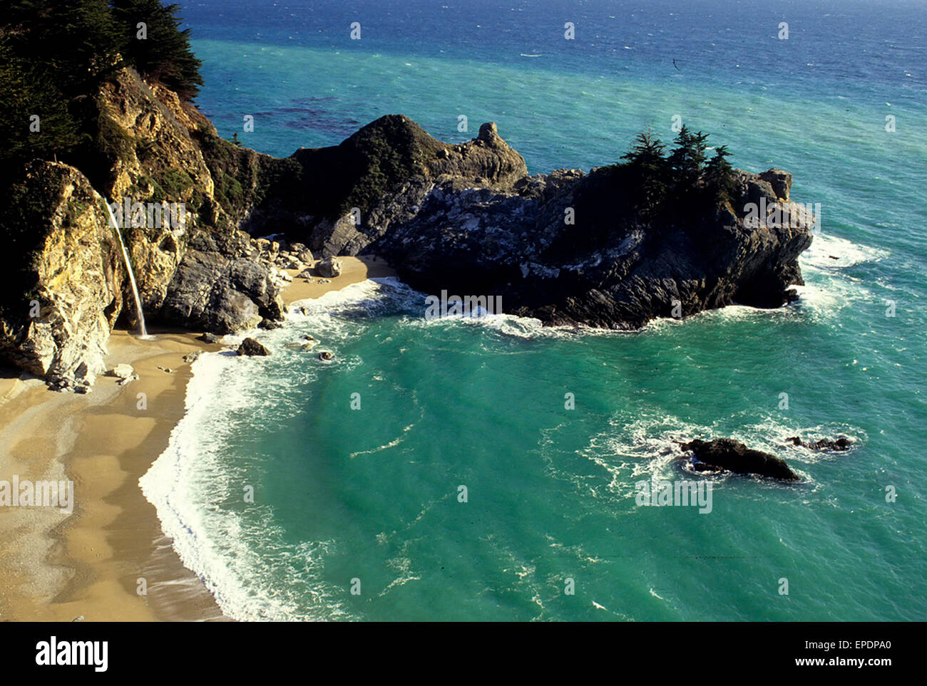 Mc Way Falls in the Julia Pfeiffer Burns State Park along the famous Highway 1, California. - Stock Image