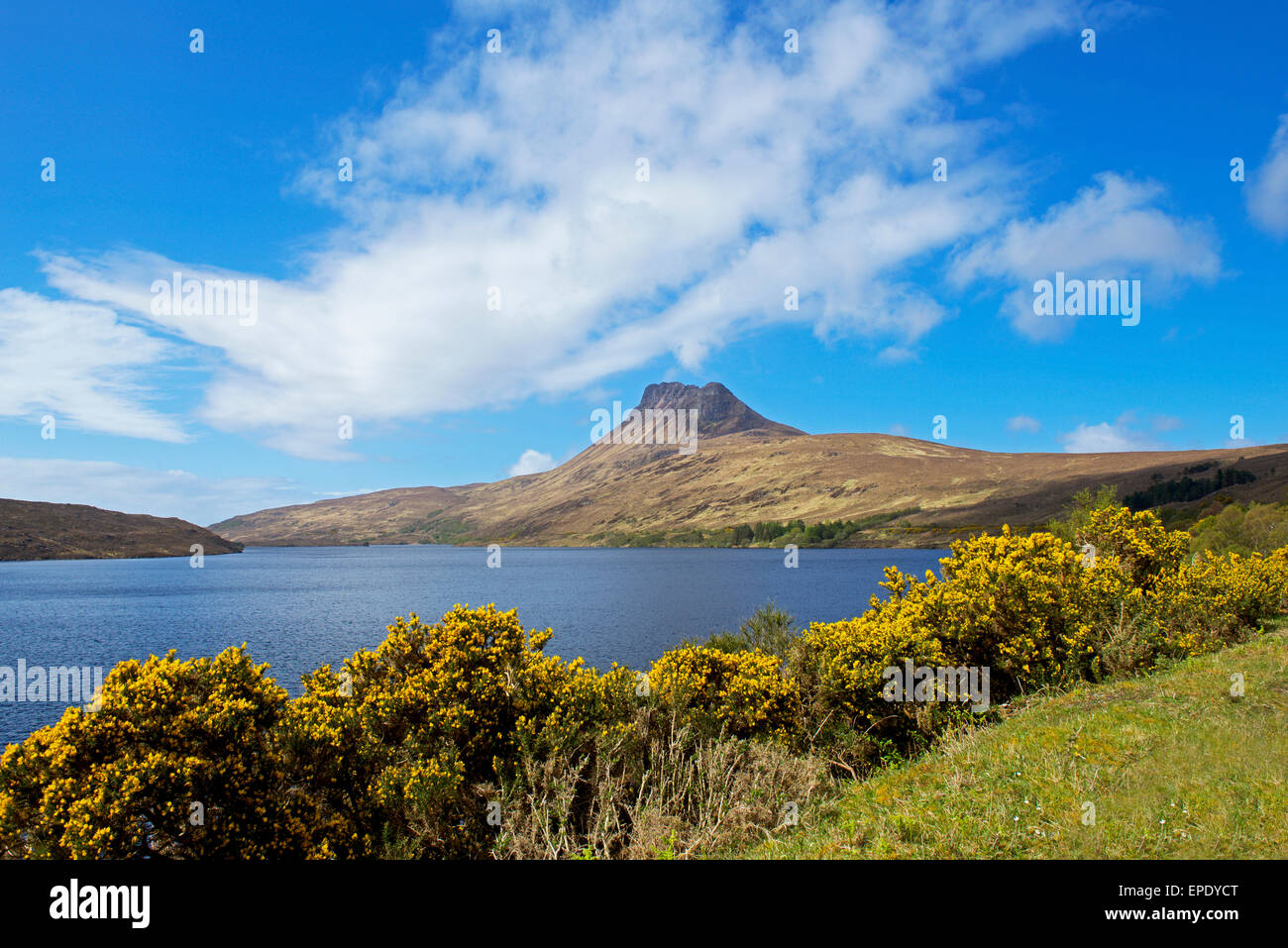Stac Pollaidh, a mountain near Ullapool, and Loch Lurgainn, Ross-shire, Scottish Highlands, Scotland UK - Stock Image