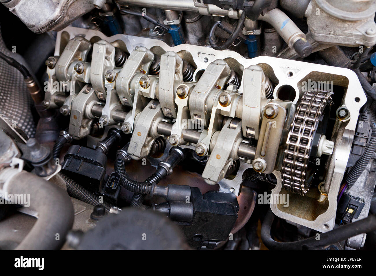Timing Chain Stock Photos Images Alamy Mercedes Benz Engine With Valve Cover Removed Image