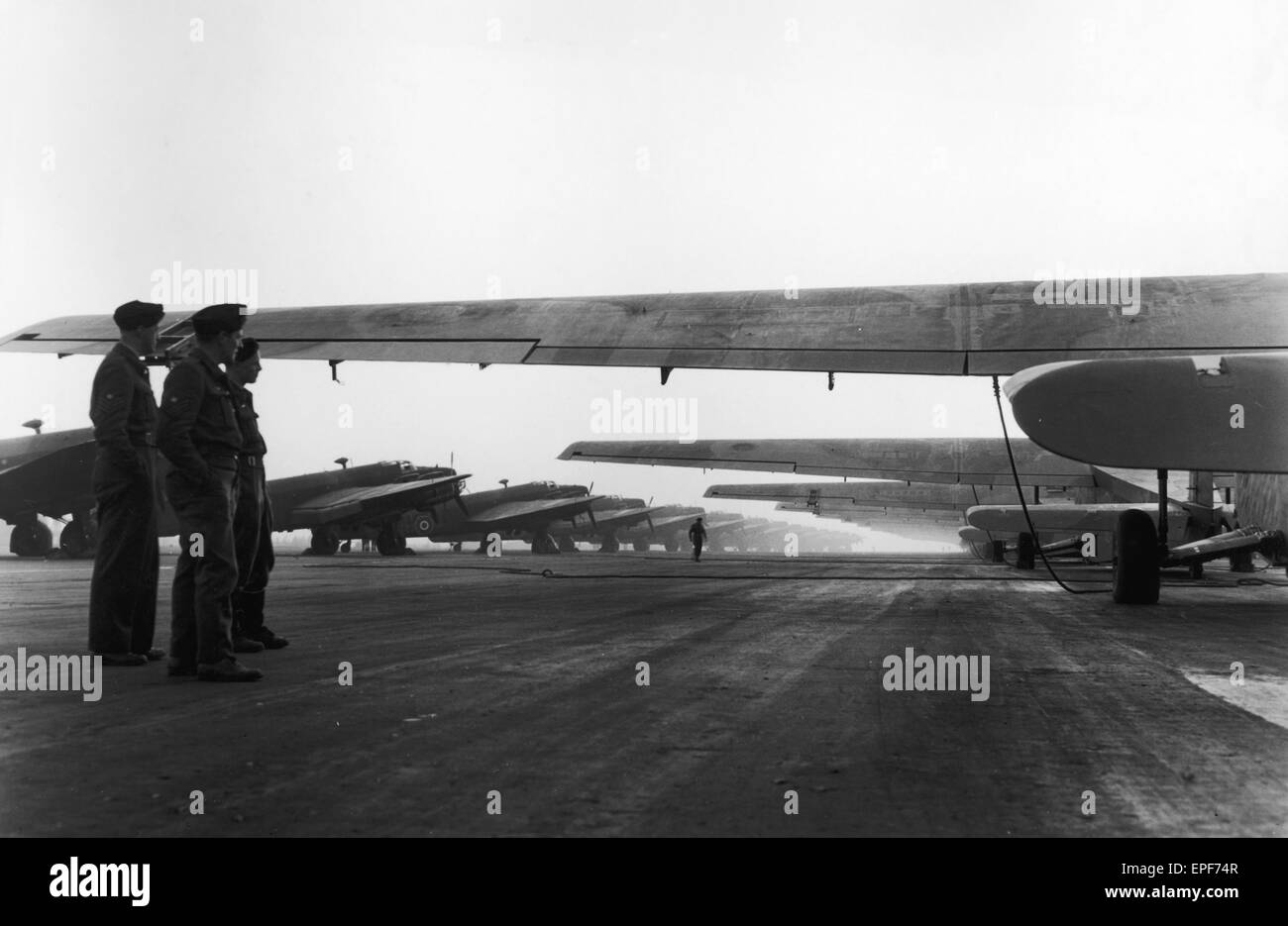 An Avenue of Hamilear gliders and RAF Halifax towing aircraft ready for take off. 24th March 1945 - Stock Image