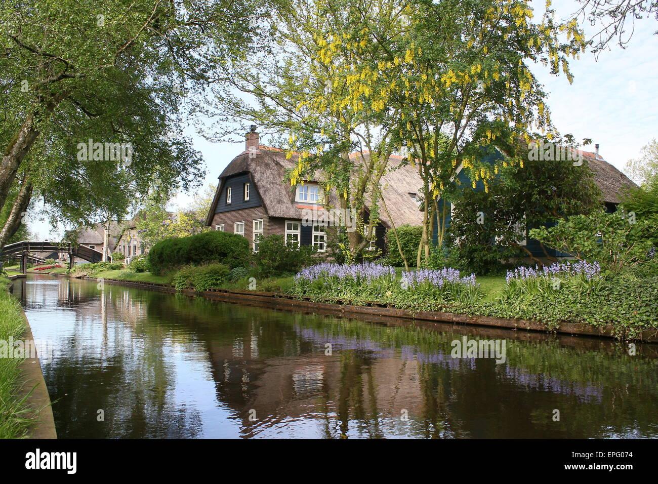 Springtime colours in the popular tourist village of Giethoorn, Overijssel, The Netherlands Stock Photo