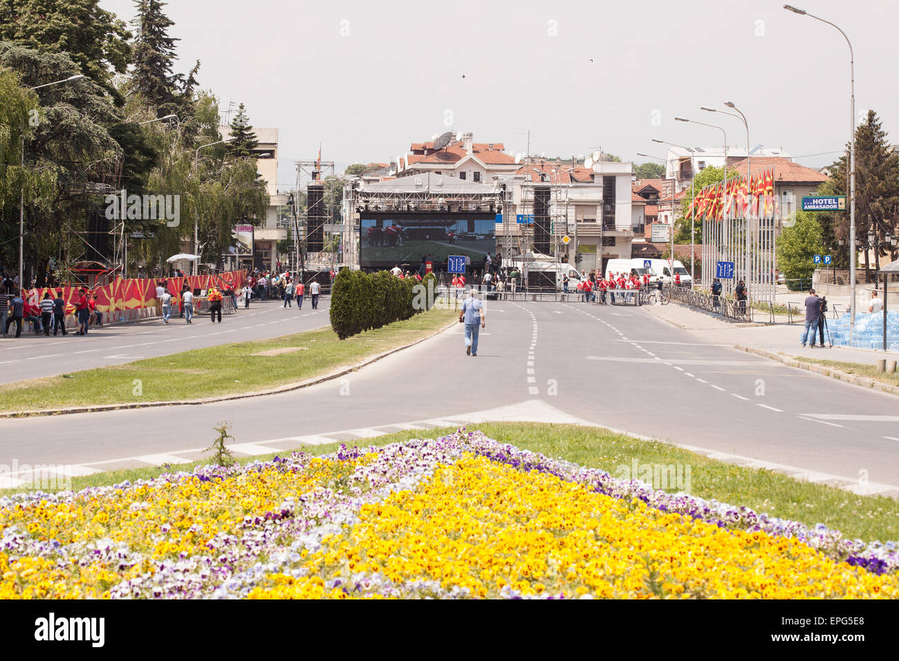 SKOPJE, MACEDONIA - MAY 17 2015: Preparations for massive multietnical protests against the government, after the - Stock Image