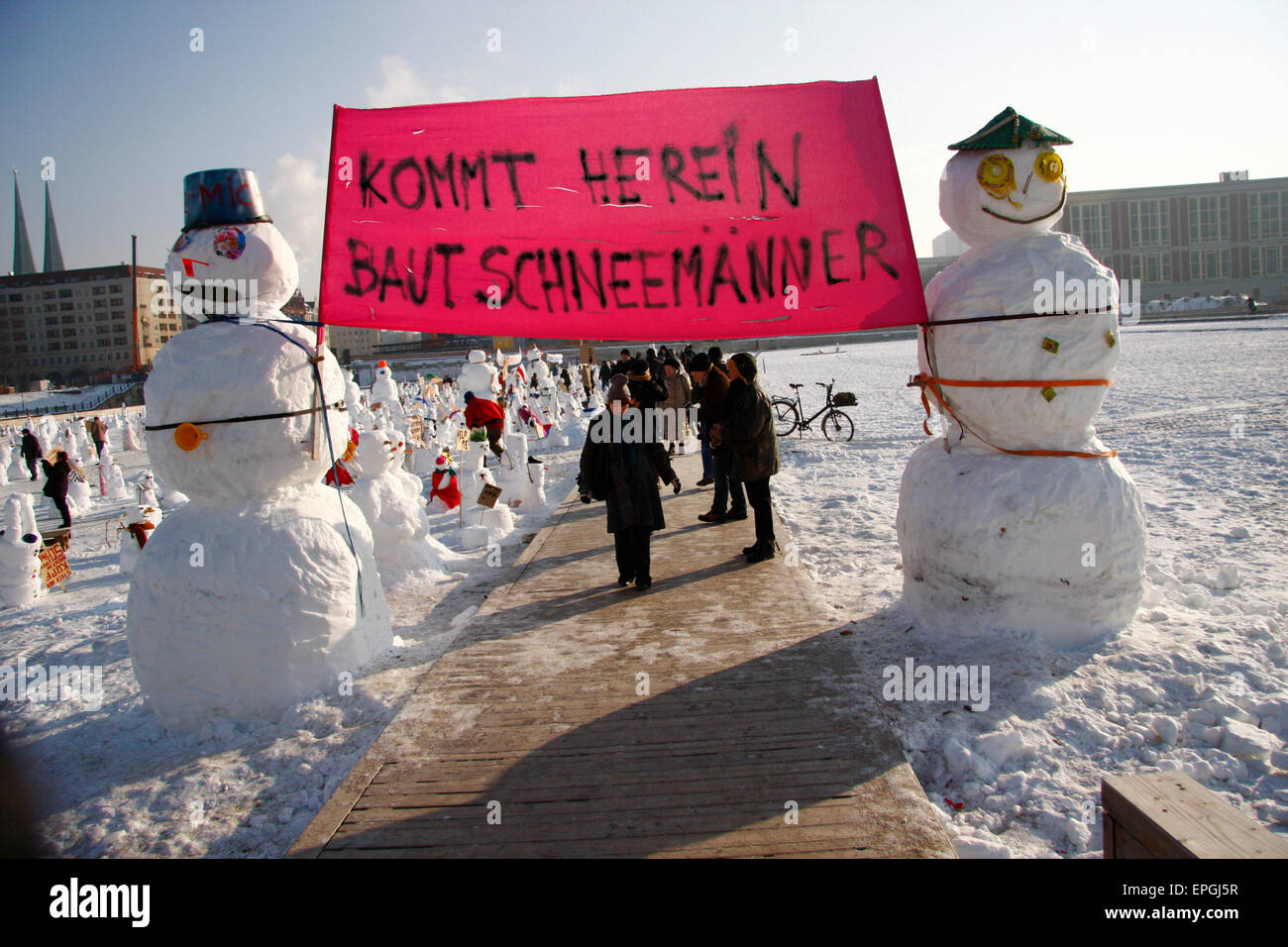 FEBRUARY 8, 2010 - BERLIN: a 'demonstration' of snowmen against policies that do not prevent global warming, - Stock Image