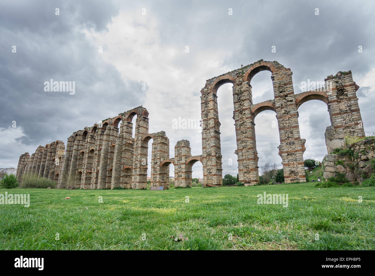 Side view of Aqueduct of the Miracles in Merida Stock Photo