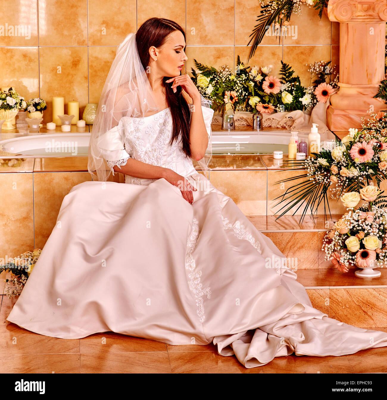 Woman wearing wedding dress Stock Photo: 82746751 - Alamy