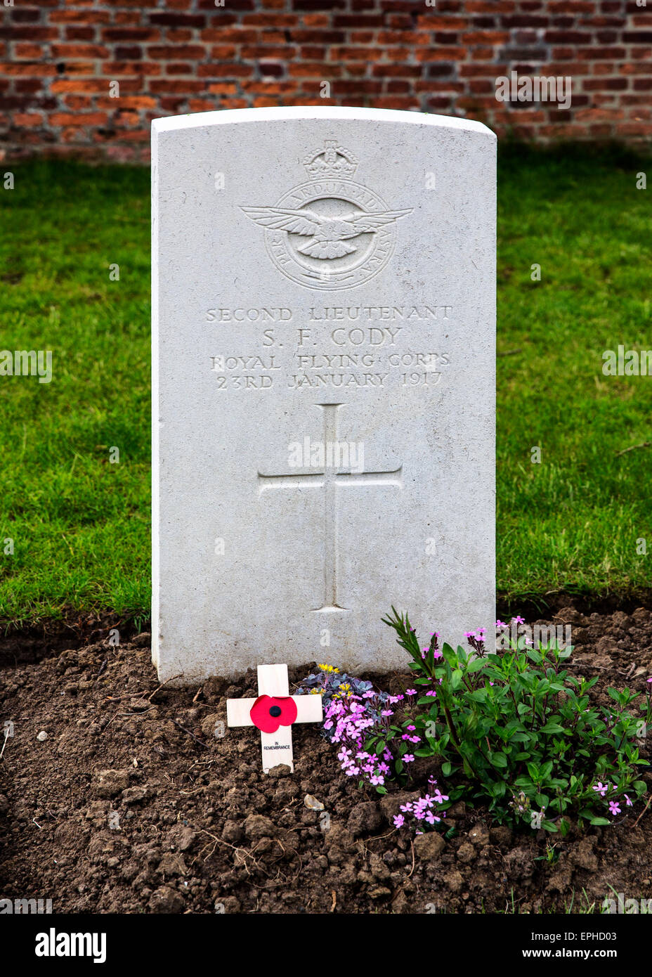 The grave of Second Lieutenant Samuel Franklin Leslie Cody 41st Squadron, RFC in Perth (China Wall) War Cemetery, - Stock Image