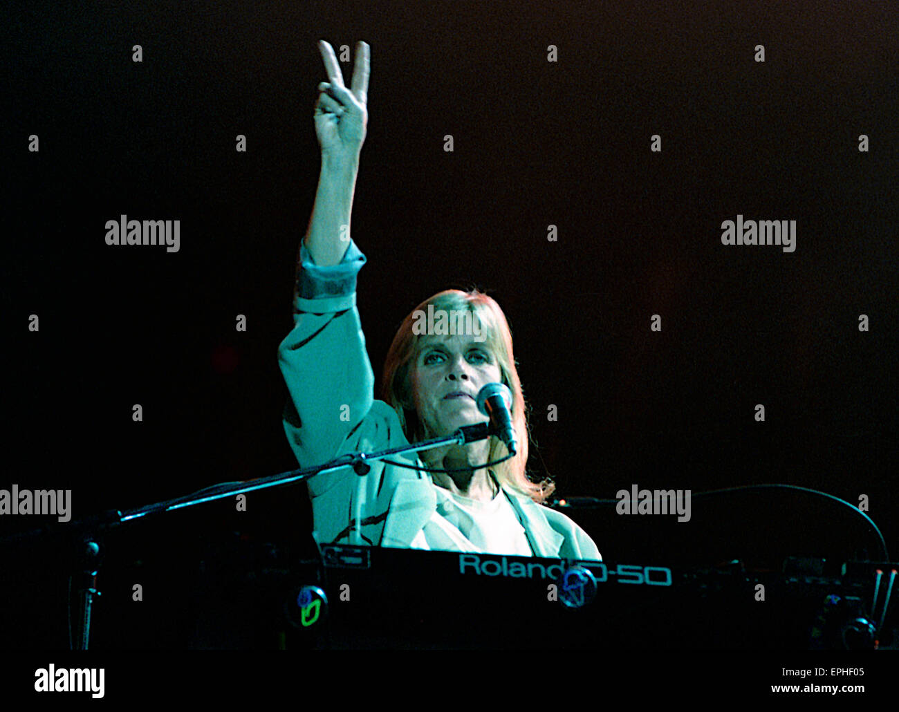 Washington DC USA 4th July Linda McCartney On The Keyboards During Concert For Fourth Paul World Tour Was A Worldwide