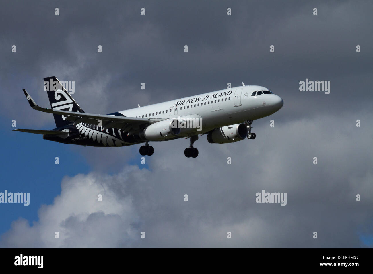 Air New Zealand A320 landing at Auckland Airport, Auckland, North Island, New Zealand - Stock Image