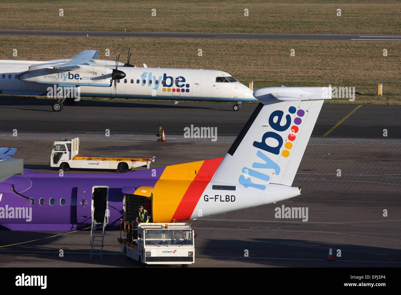FLYBE DHC 8 400 DASH 8 SOUTHAMPTON AIRPORT - Stock Image