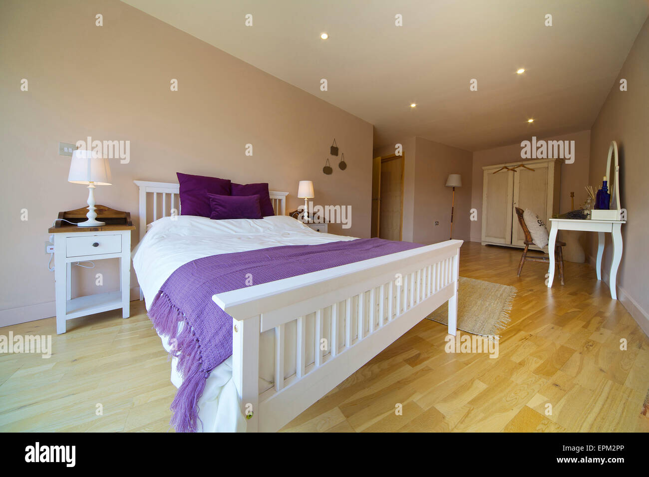 Double bedroom in 419 Wick Lane, London. New apartments built by Development securities Plc opposite the Olympic - Stock Image