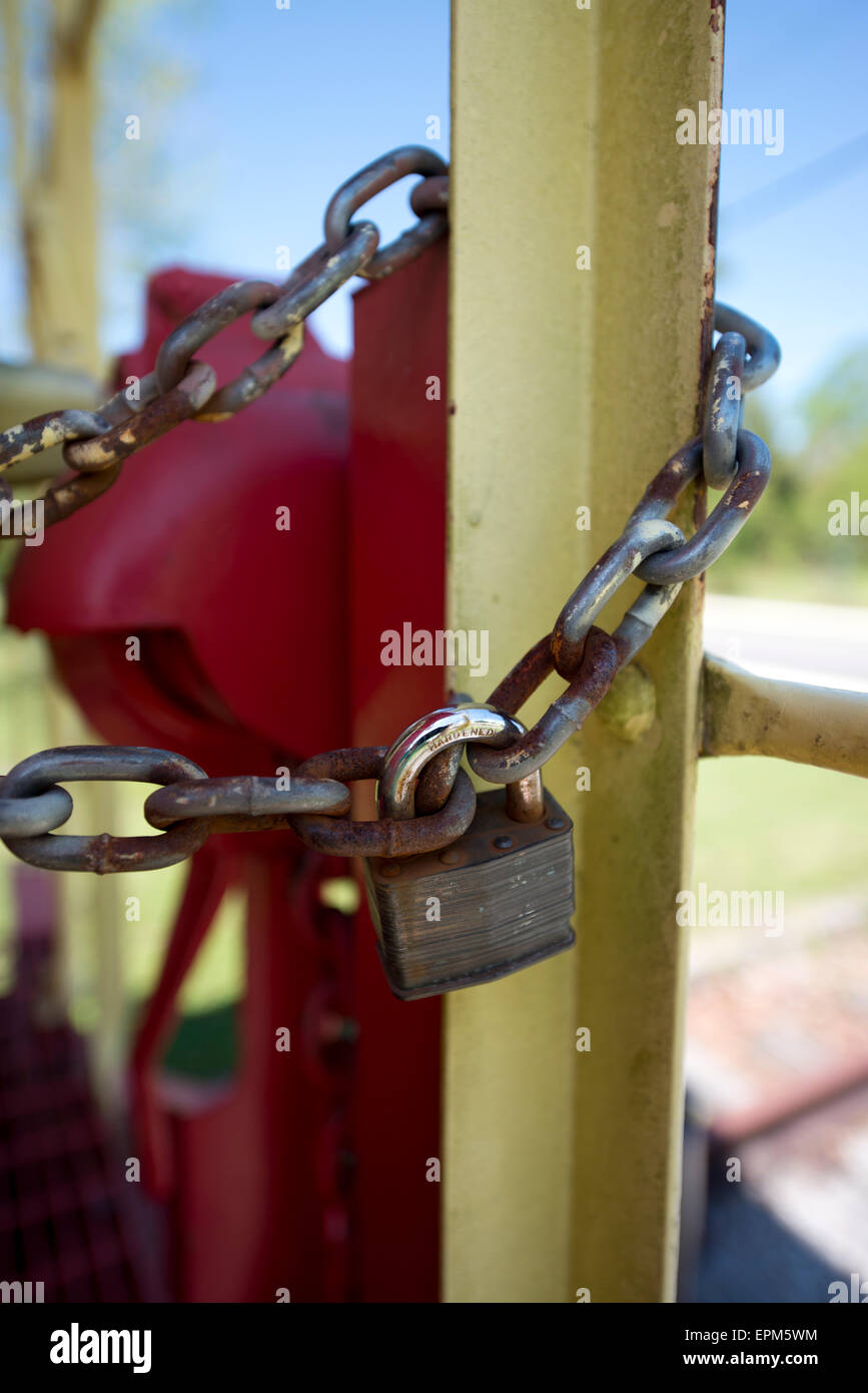 Metal chain and lock - Stock Image
