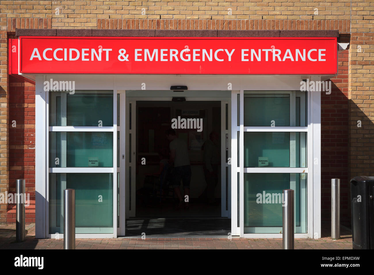 Hospital accident and emergency entrance and sign - Stock Image