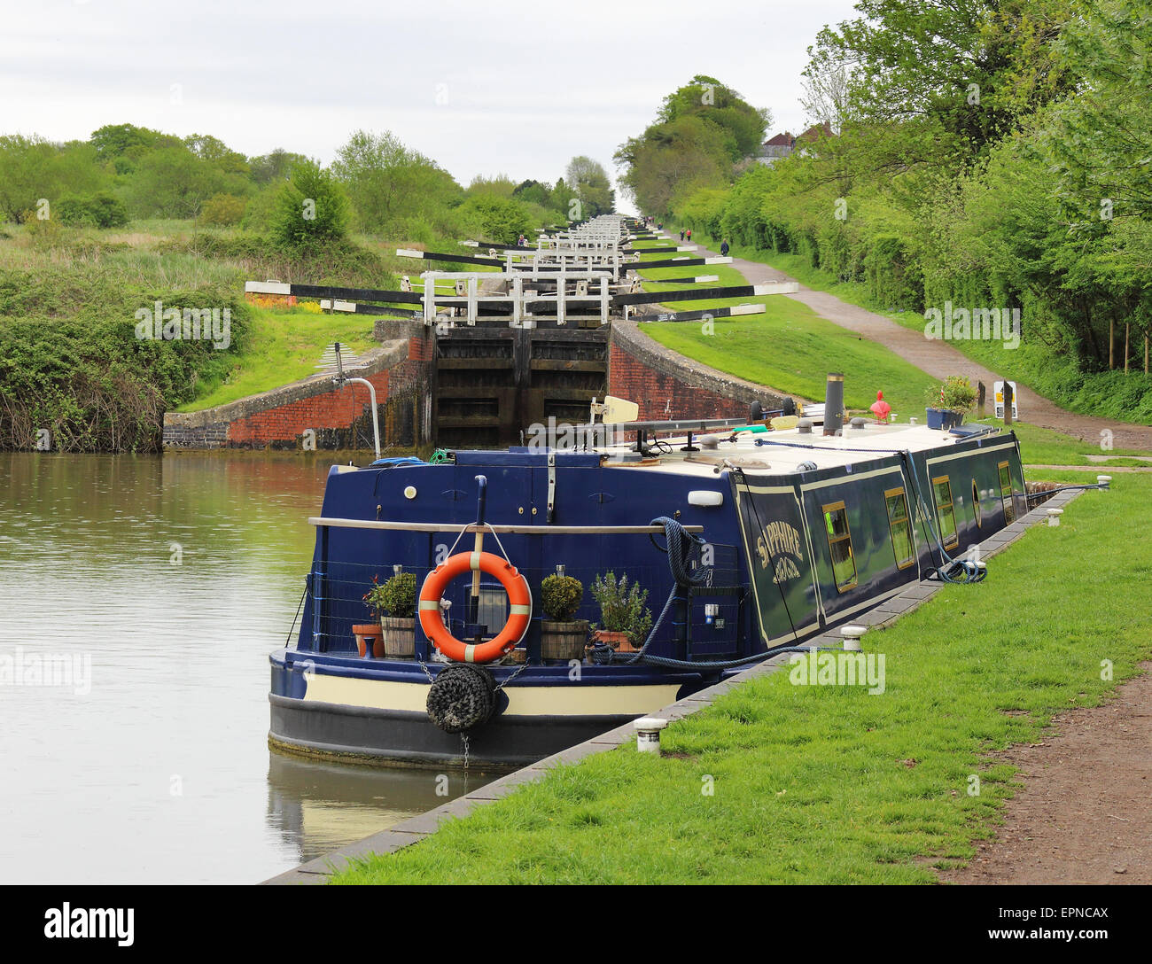 Narrowboats on the Kennett and Avon canal at Devizes Caen Hill Locks - Stock Image