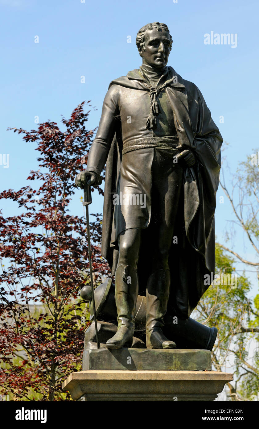 Norwich, Norfolk, England. Statue of the Duke of Wellington (by George Adams; 1854) in Upper Close, by the cathedral - Stock Image
