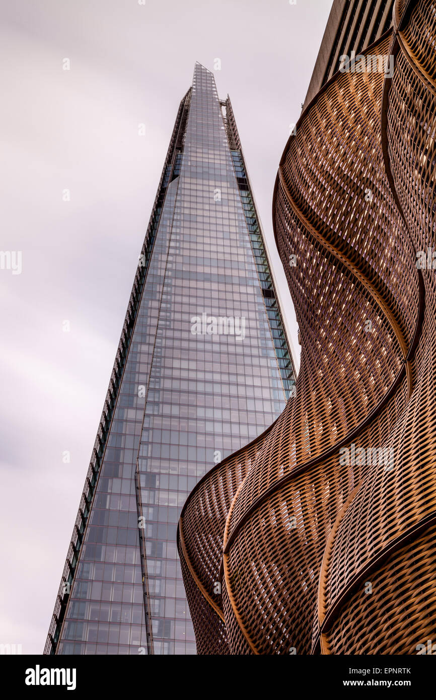 The Shard and The Boiler Suit at Guy's Hospital, London, England - Stock Image
