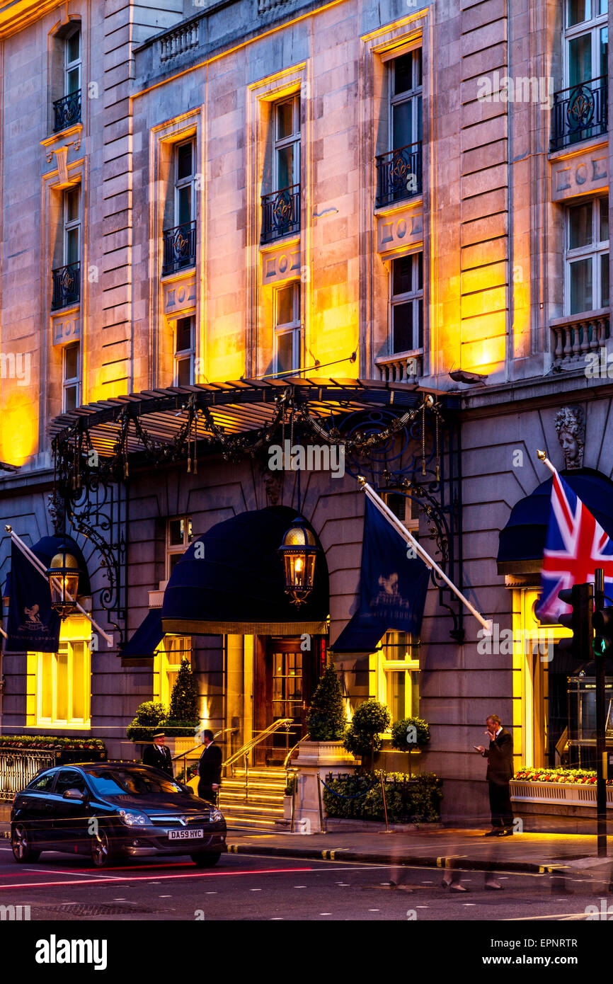 The Ritz Hotel At Night, London, England - Stock Image