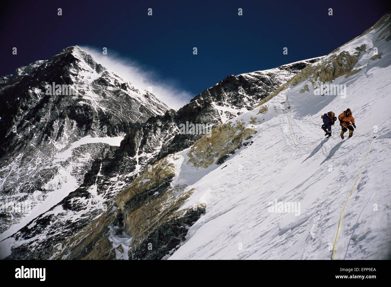 Mount Everest Summit Climbers Stock Photos & Mount Everest ...