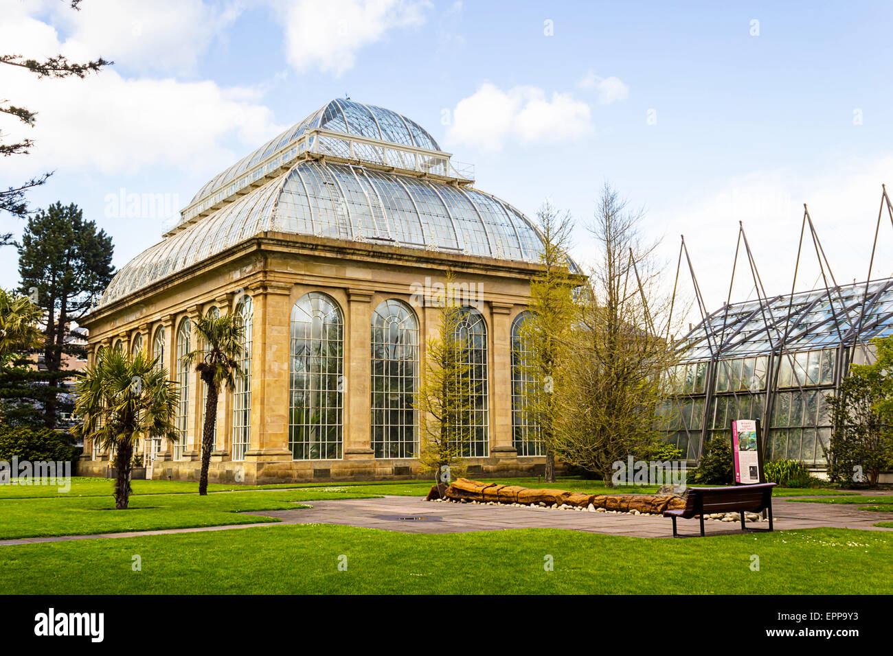 The Palm House in the Royal Botanic Gardens, Edinburgh, Scotland - Stock Image