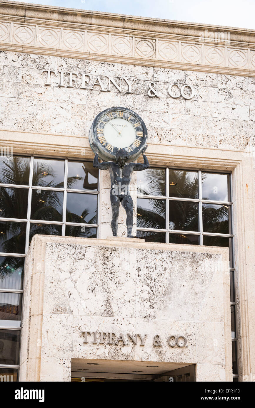 Florida Palm Beach Worth Avenue luxury shopping street road Tiffany & Co jewelry store shop art deco clock figure Stock Photo