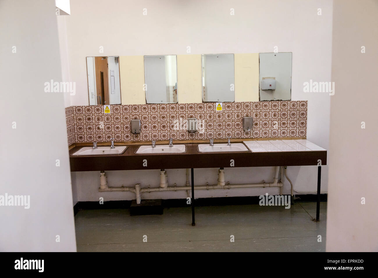 Public Restroom Dirty Old Toilet House Indoors Messy BrokenRun-Down Old-fashionedHome Interior Abandoned  Damaged - Stock Image