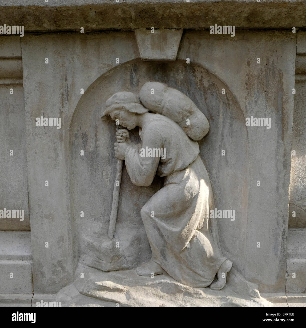 Pilgrim detail on the John Bunyan Memorial in Bunhill Fields Cemetery, Islington, London UK  KATHY DEWITT - Stock Image