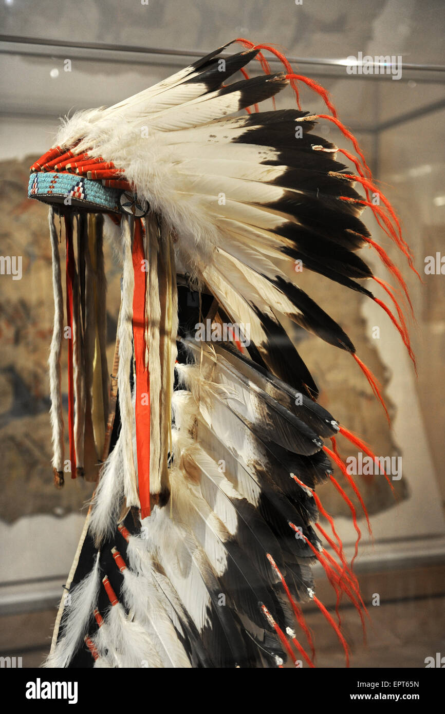 CHICAGO, IL – MARCH 18: Detail of native American Headdress the Chicago Art Institute on March 18,  2012 in Chicago, - Stock Image