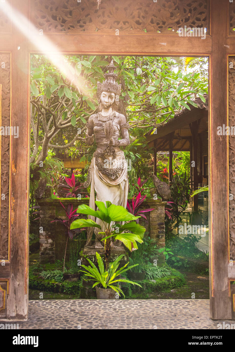 Goddess Welcome Statue In Garden Stock Photos & Goddess Welcome ...