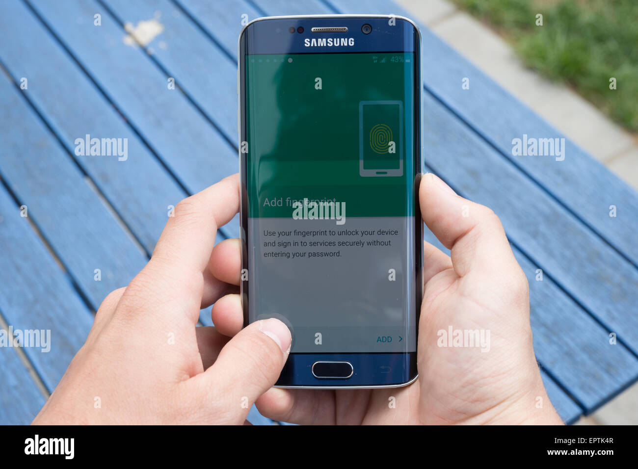 Samsung S6 edge using phone completing final stage setup