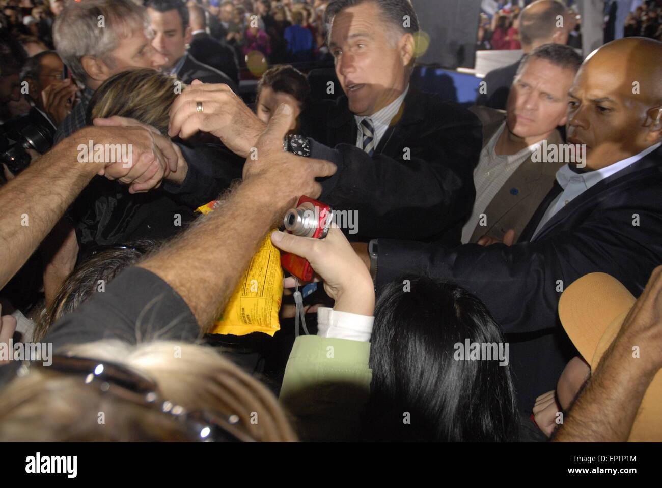 Leesburg, Virginia, USA, 17th October 2012  Republican  presidential Candidate Mitt Romney (former Mass. Gov) meets, - Stock Image